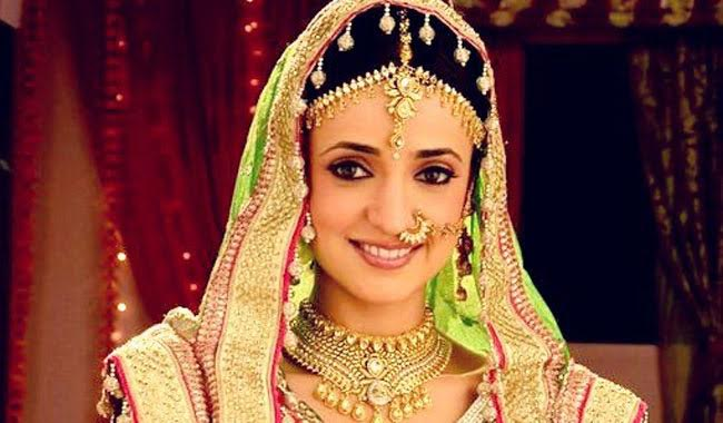 Sanaya Irani soon become Bride