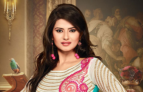 Kratika Sengar to star in Serial Kasam along with Sharad Malhotra