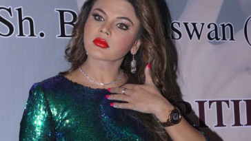Swami Om Jee is my Favourite contestent says Rakhi Sawant