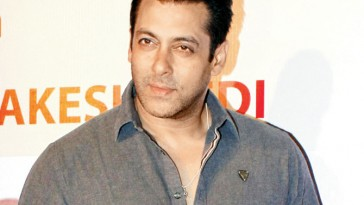 I don't feel comfortable locking lips with my actress says Salman Khan