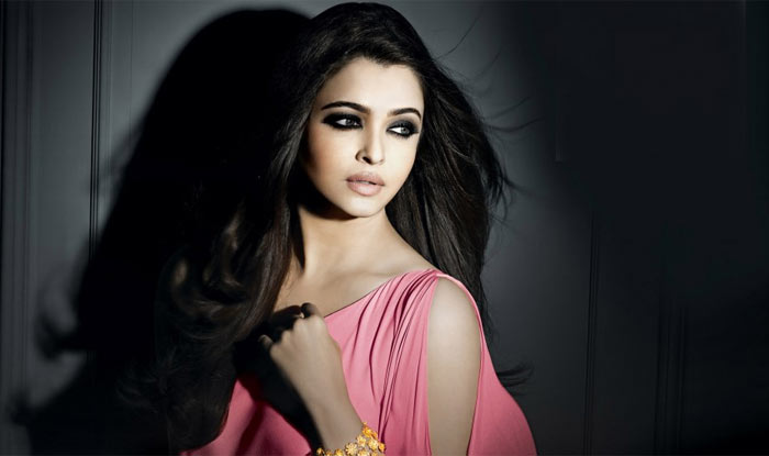 Aishwarya Rai Bachchan to star in remake of Raat Aur Din ?